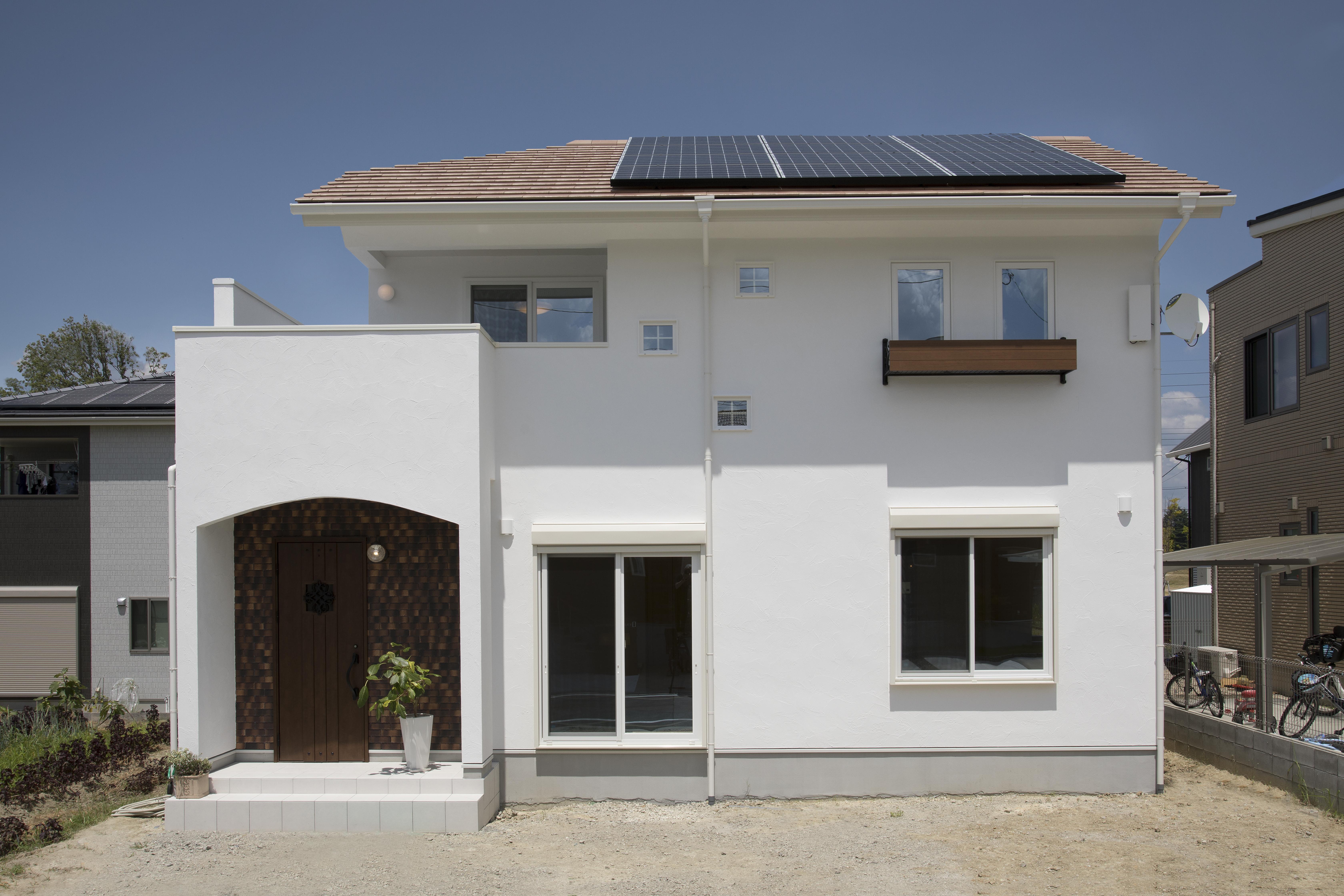 天然スイス漆喰と全館空調の白い家