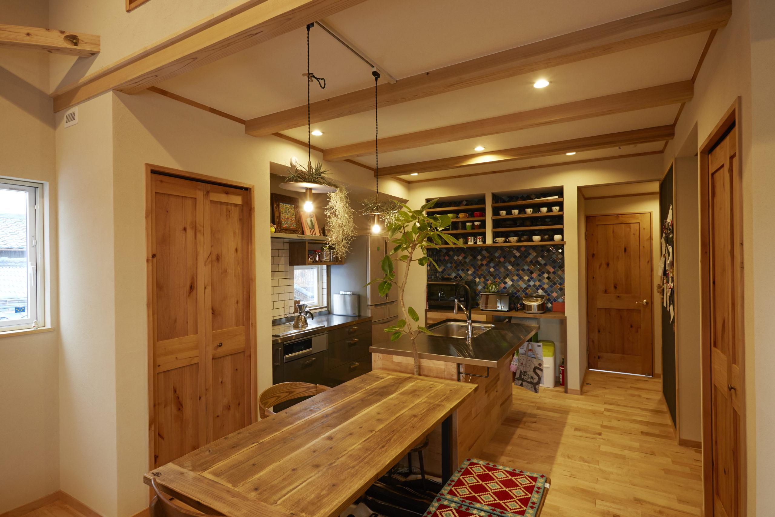 性能とデザインにこだわった二世帯住宅
